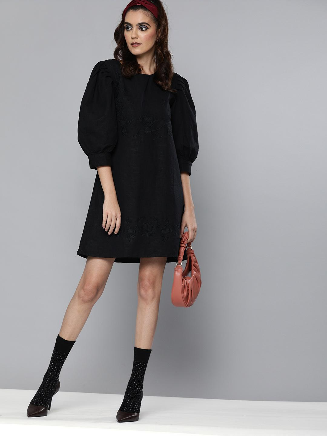 Volume sleeves embroidered Linen dress
